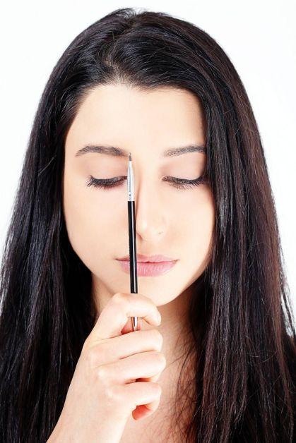 54ab1b0cc0d41_-_elle-defining-eyebrow-tutorial-2-xln