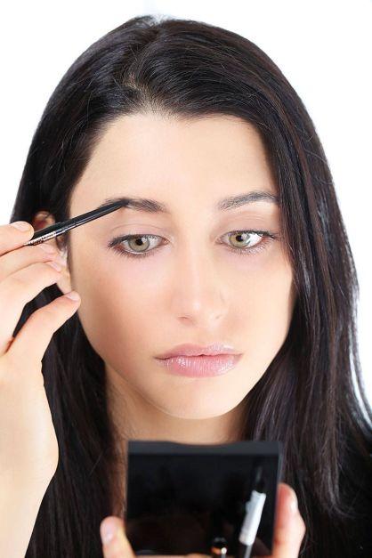 54ab1b5d573b1_-_elle-defining-eyebrow-tutorial-5-xln