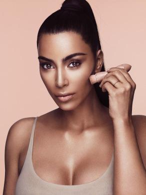 kim-kardashian-makeup-03.jpeg